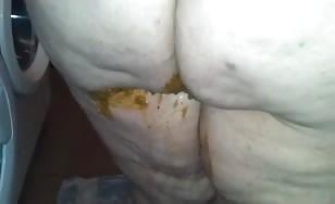 BBW babe shitting on a plate